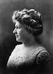 Annie_Jump_Cannon_1922_Portrait